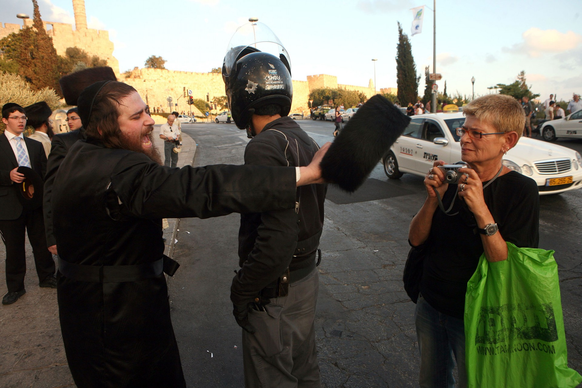 Demonstration Against the opening of a controversial parking lot during the shabbat, Jerusalem 2009